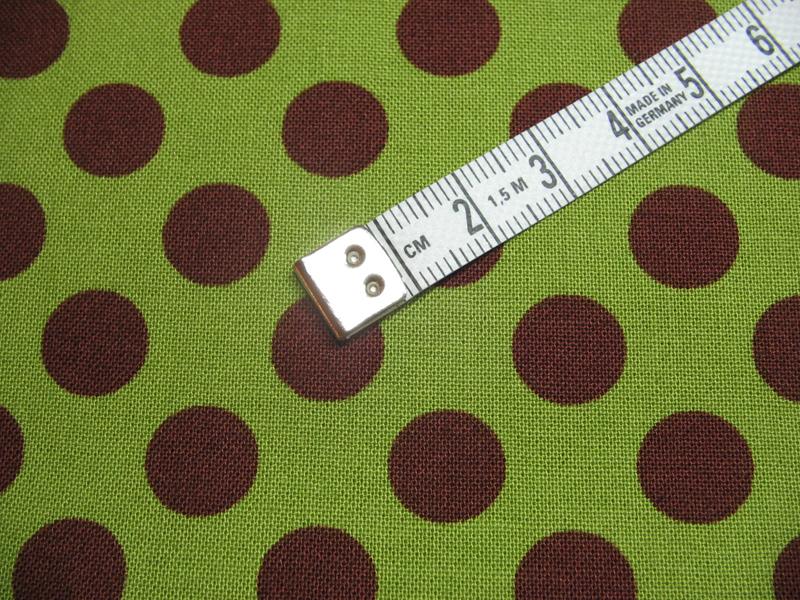 Ta Dot - Baumwolle - braun auf gruen 0 5 Meter