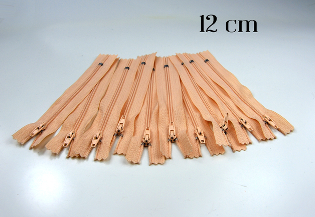 10 x 12cm apricotfarbene Reißverschlüsse