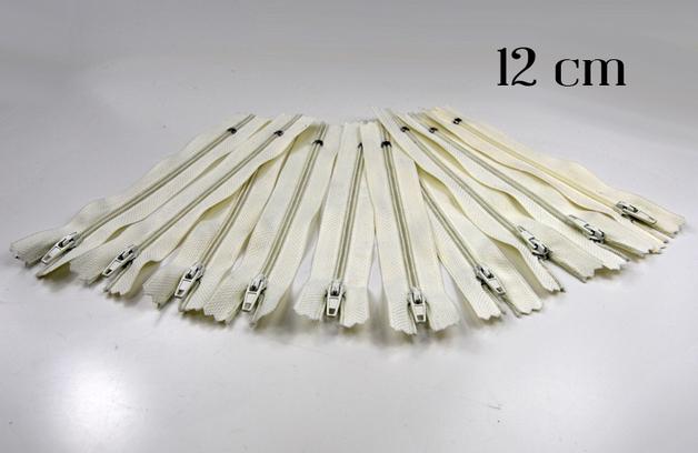 10 x 12cm cremeweiße Reißverschlüsse