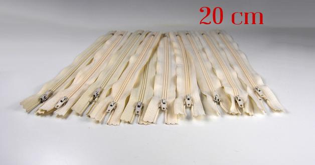 10 x 20cm sandfarbene Reißverschlüsse