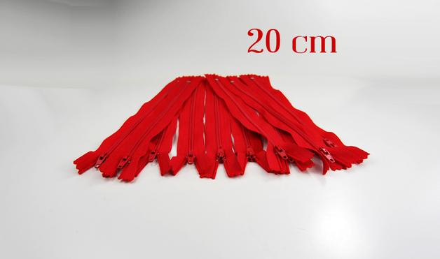 10 x 20cm kirschrote Reissverschluesse