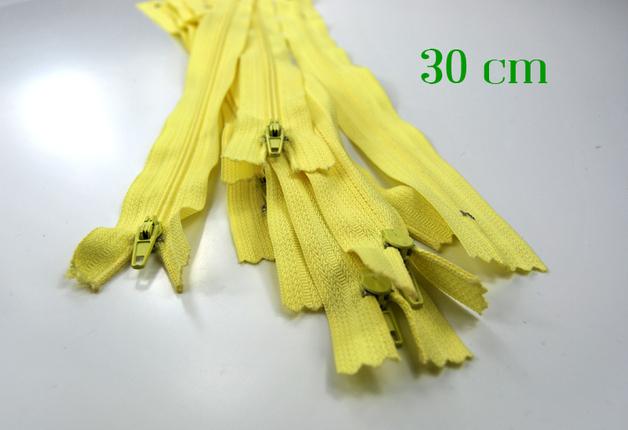 10 x 30 cm vanillefarbene Reißverschlüsse
