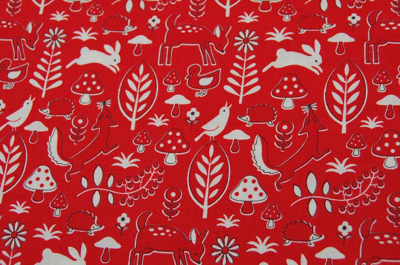 Rote Waldmotiv Baumwolle von Kokka 0,5 m