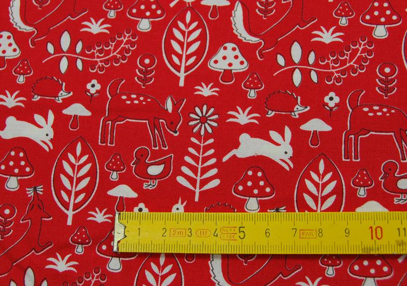 Rote Waldmotiv Baumwolle von Kokka 05