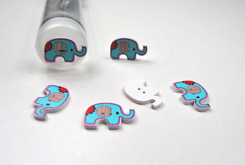 Holzknöpfe: Türkise Elefanten - 5 Stück