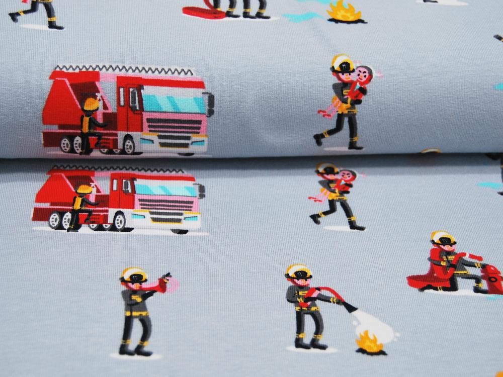 Jersey Feuerwehrleute und Fahrzeuge auf Hellgrau