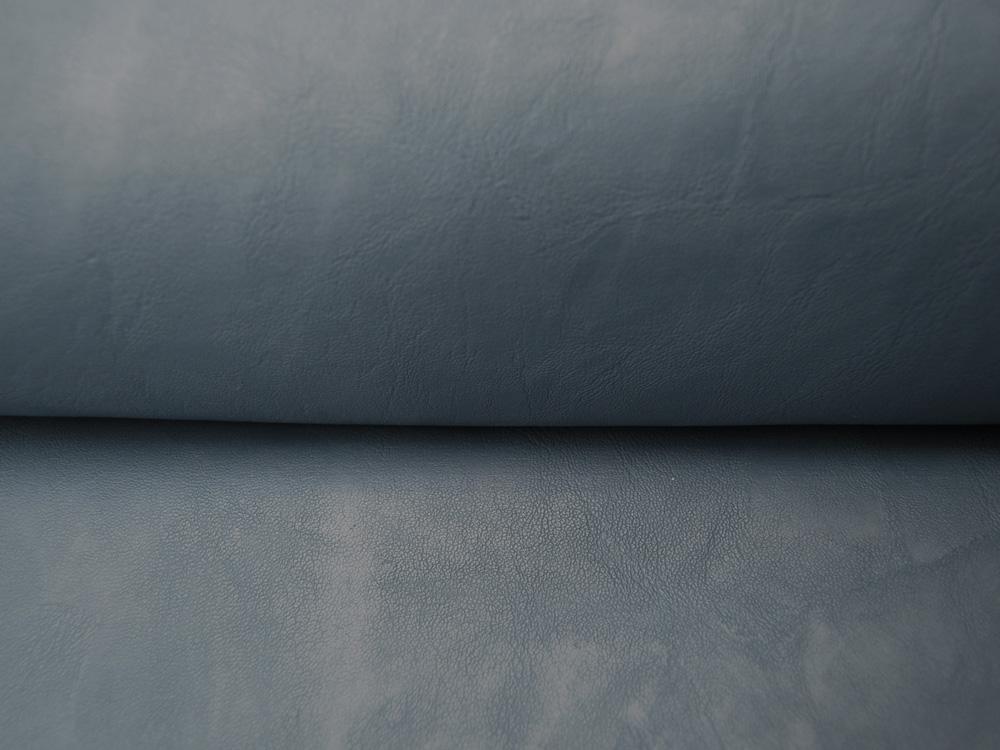 Weiches Kunstleder in Jeansblau mit Struktur