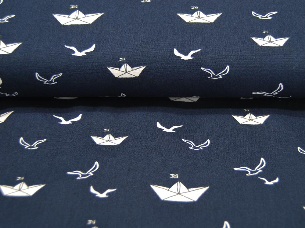 Baumwolle Papierboot und Möwe auf Dunkelblau