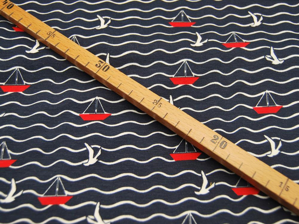 Jersey Möwen und Boote auf Wellenmuster
