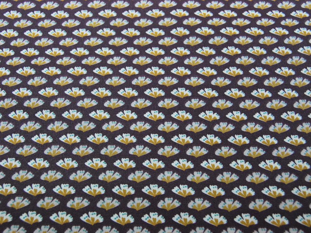 Beschichtete Baumwolle Blüten auf Aubergine 145cm