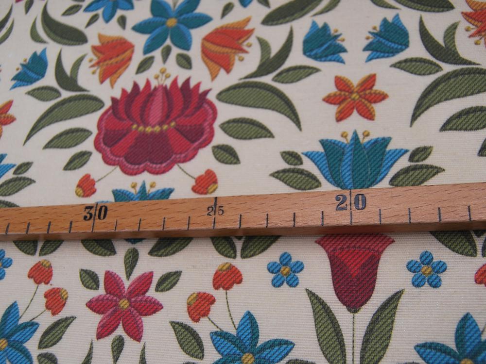 Beschichtete Baumwolle Blumenmuster auf Sand Meter