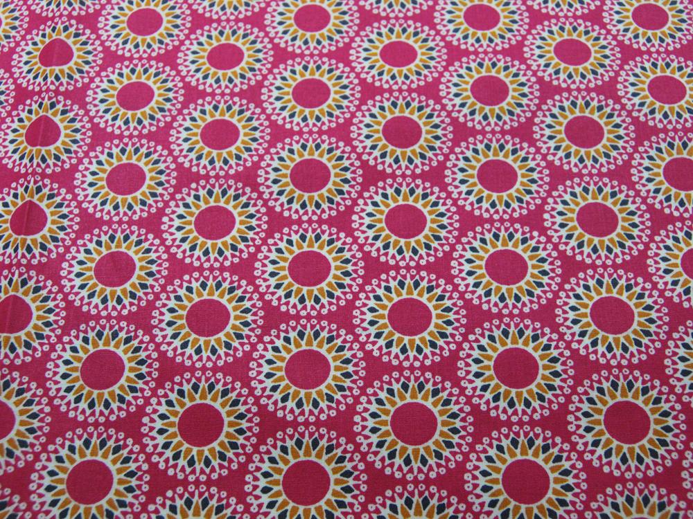 Beschichtete Baumwolle - Mandala auf Fuchsia 50 x75 cm - 1