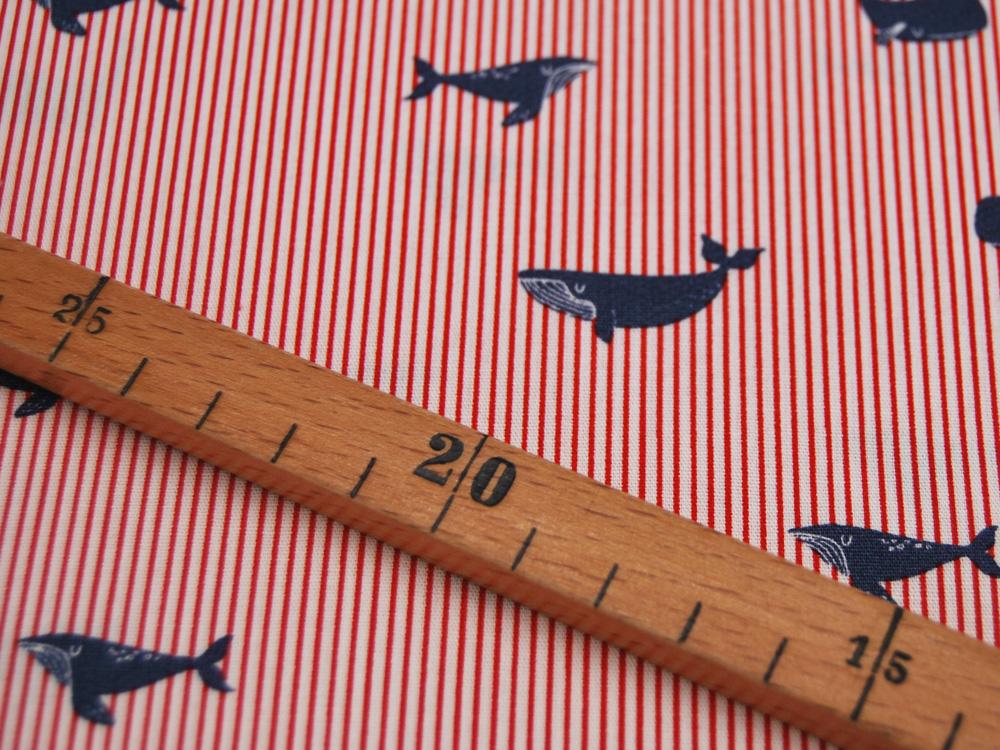 Baumwolle Whales Wale auf Rot-Weiß gestreift