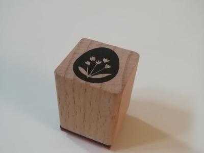 Ministempel Osterei mit Blüten 2cm 2cm