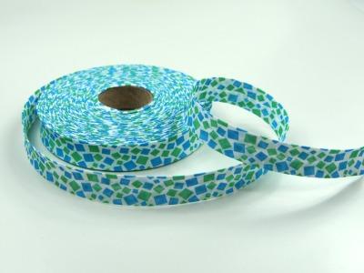 Schraegband - 1 Meter - Hell mit gruen/tuerkisen Quadraten - 2 cm breites Schraegband