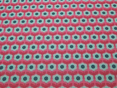 Beschichtete Baumwolle - Blumenmuster auf Dunkel Pink 50x68 cm