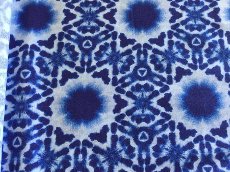 0,5m Baumwolle Shibori Batik Kumo Indigo weiß - 1
