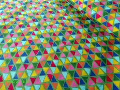 Baumwolle Jette bunte Dreiecke auf grün