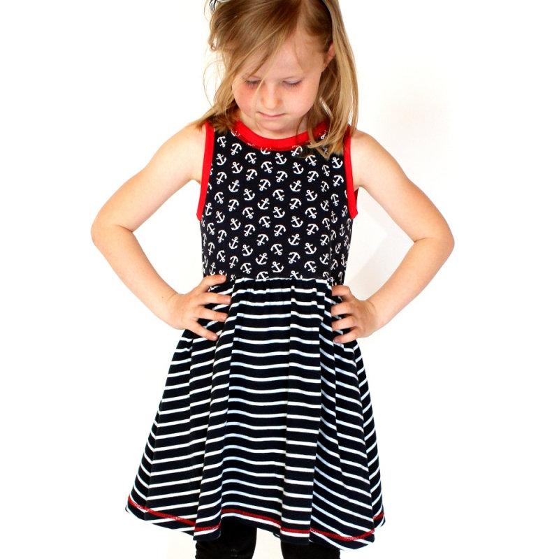 Kleine Ballerina Kleid von AnniNanni Papierschnittmuster