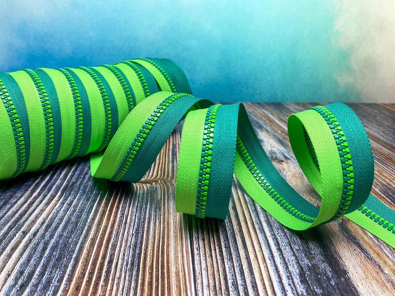 Endlos-Reißverschluss - dunkelgrün/hellgrün - in 20