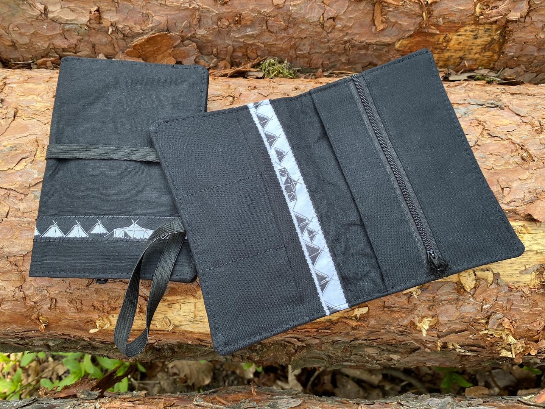 Pfadfinder Tabaktasche Kohtenstoff mit schwarzem Webband