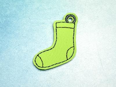 Schlüsselanhänger hellgrüne Socke mit dunkelgrünen Akzenten