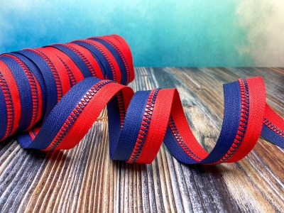 Endlos-Reißverschluss blau - rot - Eigenproduktion