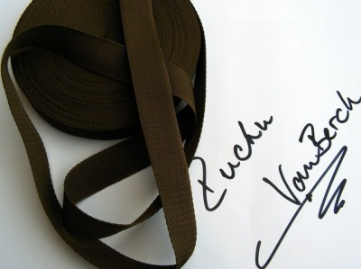 20025 30 mm Gurtband braun