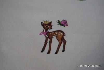 5485 Stoff Baumwolle Bambi Eichhörnchen rosa