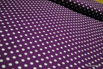5843 lila Baumwolle Stoff weiße Punkte