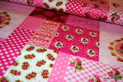 5071 Baumwolle Stoff Blumen Patchwork rosa