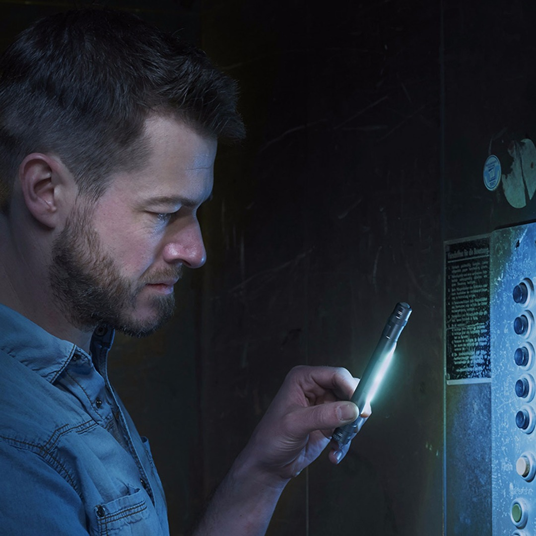 LED-Taschenlampe LIGHT WORK - Schwarz