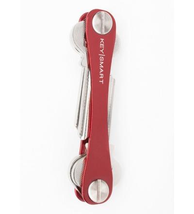 KeySmart Rot 2.0 inkl. Anhängeröse - Der KeySmart für alle Sinne. Die 2.0 Variante unterscheidet sich nur für die ersten paar Schlüssel.
