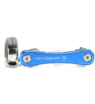 KeySmart Rugged in Blau - Der KeySmart Rugged in Blau ist der große Bruder vom KeySmart 2.1. Durch seine größere Größe liegt er toll in der Hand und bietet mit dem Pocket Clip ein praktisches Zubehör.