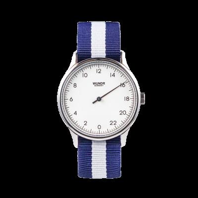 24 Std. WUNDRWATCH WHITE Nato Blue/White - Zeit neu definieren ganz natuerlich. Die Uhr aus dem Hause Wundr ist etwas ganz besonderes. Die Wundrwatch hat nur einen Zeiger und zeigt die 24 Std. des Tages auf dem Zifferblatt.