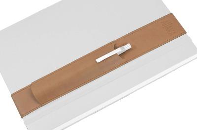 ALjAVA Louis A4 Kunstleder: Beige Naht: Beige - Mit dem ALjAVA Louis sind die Stifte an deinem A4-Notizbuch immer griffbereit