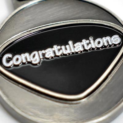 Personalisierbarer Schlüsselanhänger Congratulations Initialien AA bis