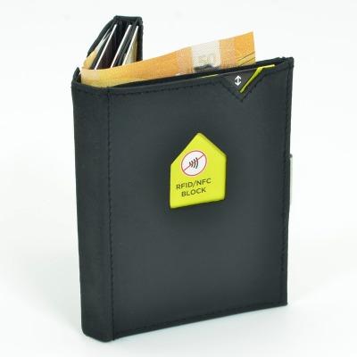 Exentri Wallet NUBUCK BLACK mit RFID-Schutz - Diese smarte Mini-Geldbörse erlaubt Ihnen Geldscheine und Karten mühelos und sehr übersichtlich zu verwalten. Kein gefalte mehr von Geldscheinen und ganz Neu mit RFID Schutz.