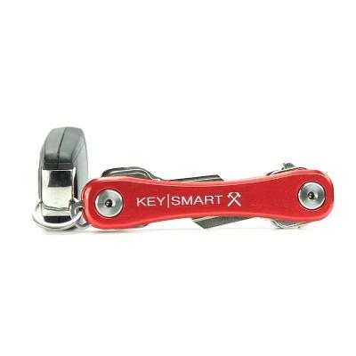 KeySmart Rugged in Rot - Der KeySmart Rugged in Rot, ist der große Bruder vom KeySmart 2.1. Er ist etwas kräftiger und stärker gebaut und bietet ein Pocket Clip.