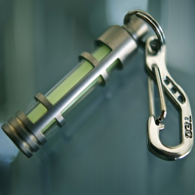 Anhänger Laterne - Titan - Fluoreszierende Leuchte für den Schlüsselbund