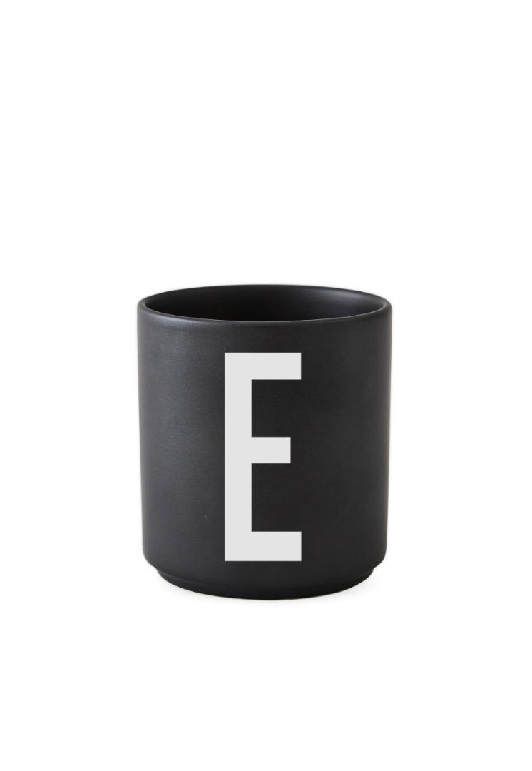 schwarzer Porzellanbecher E