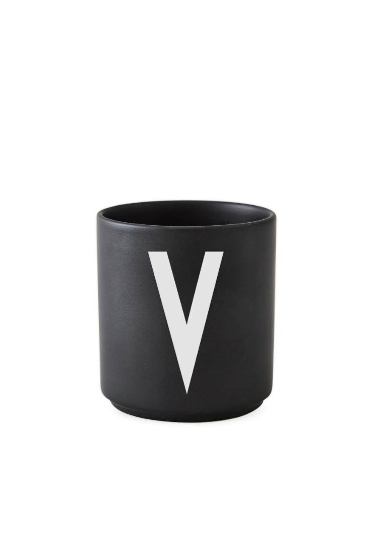 schwarzer Porzellanbecher V