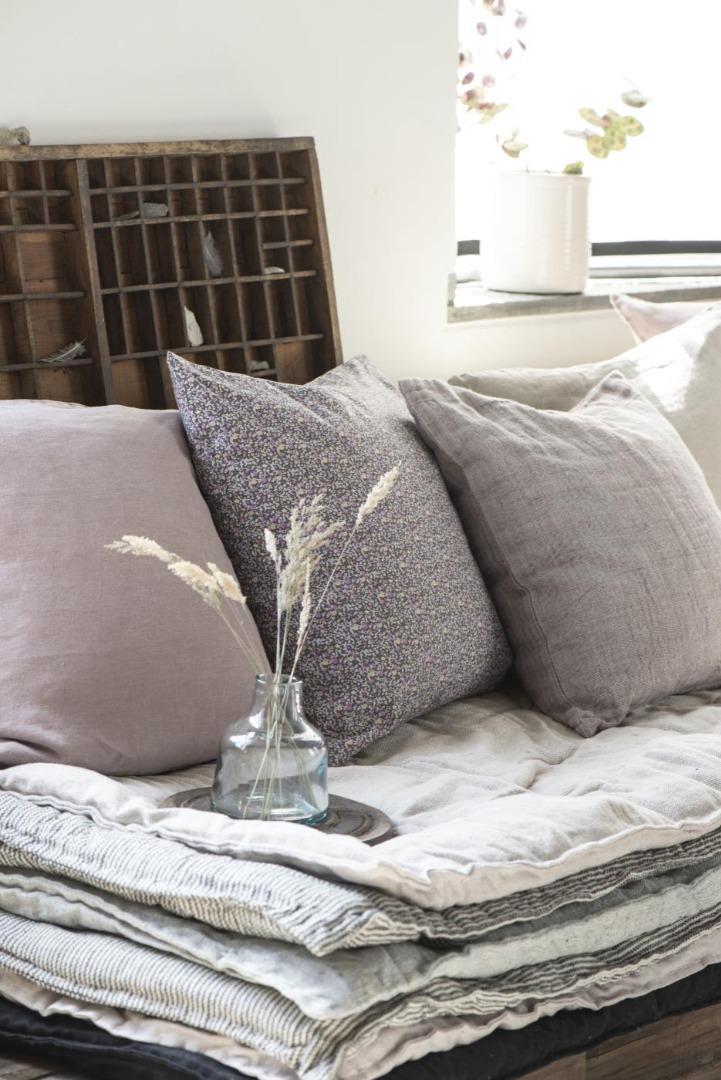 Kissenbezug aus Leinen 50x50/ lavendel&braun 2
