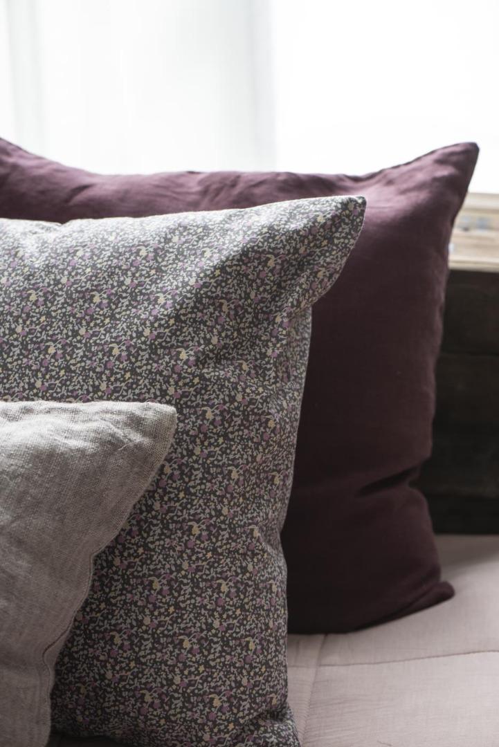 Kissenbezug aus Leinen 50x50/ lavendel&braun 7