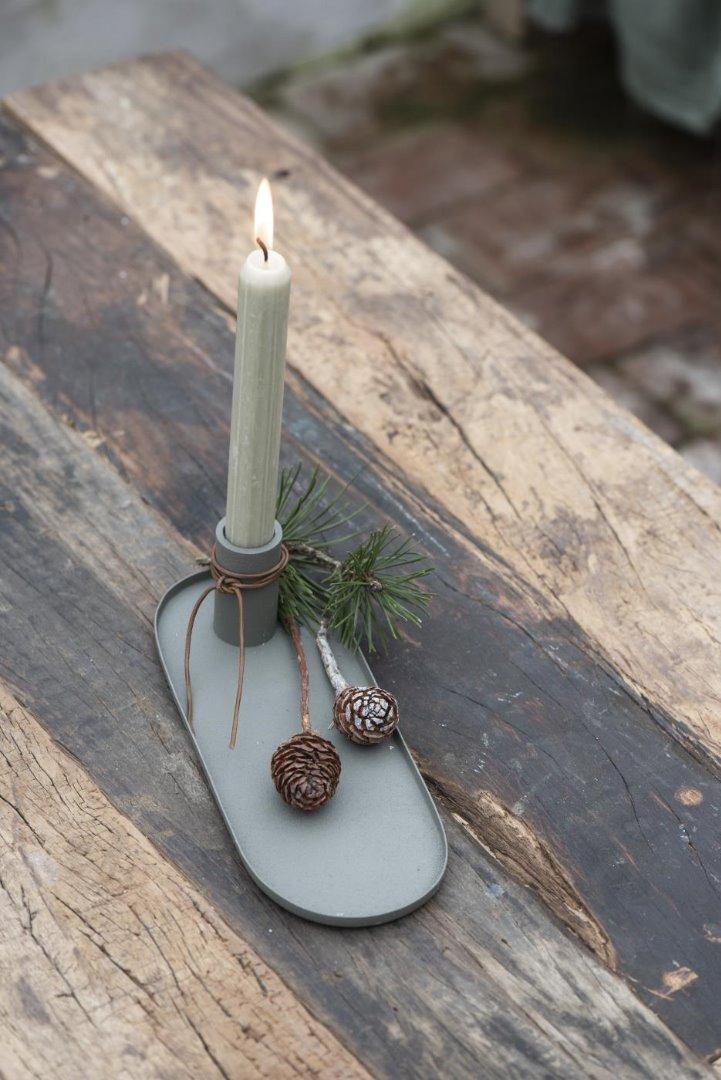 Kerzenhalter für Stabkerzen in staubig grün
