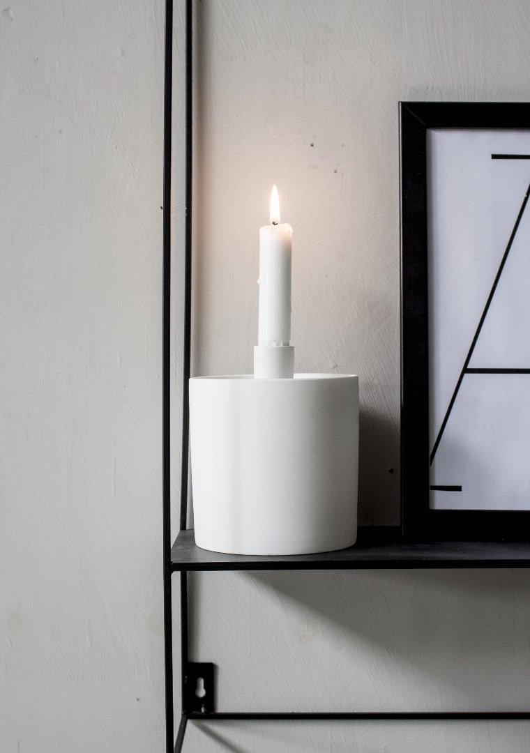 Aufbewahrungsdose mit Kerzenhalter weiß