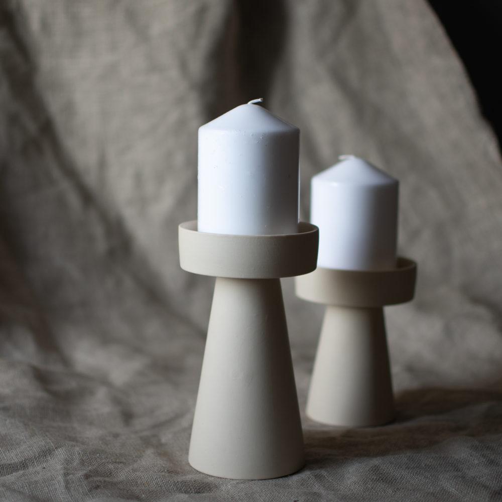 großer Kerzenhalter matt/beige aus Keramik