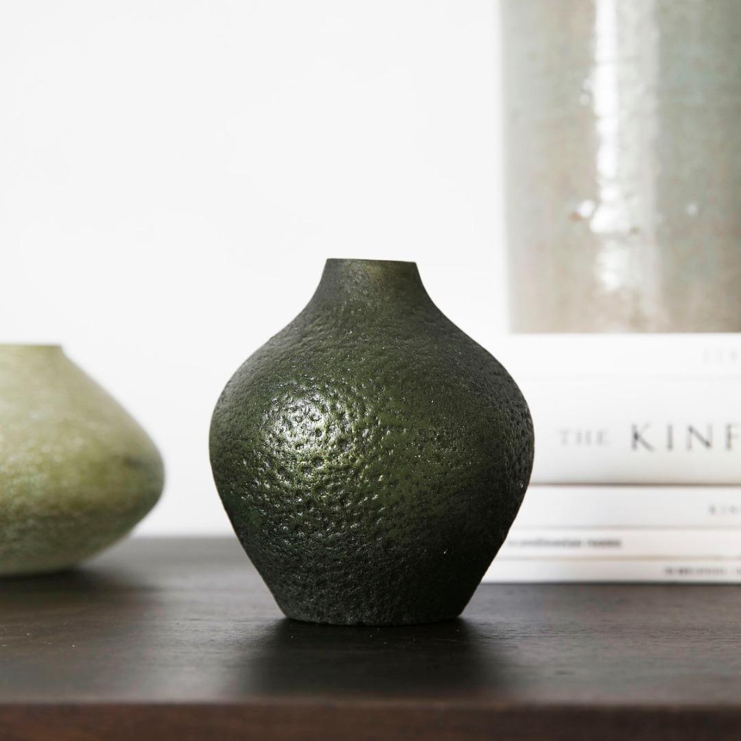 kleine Vase FORREST aus Glas grün