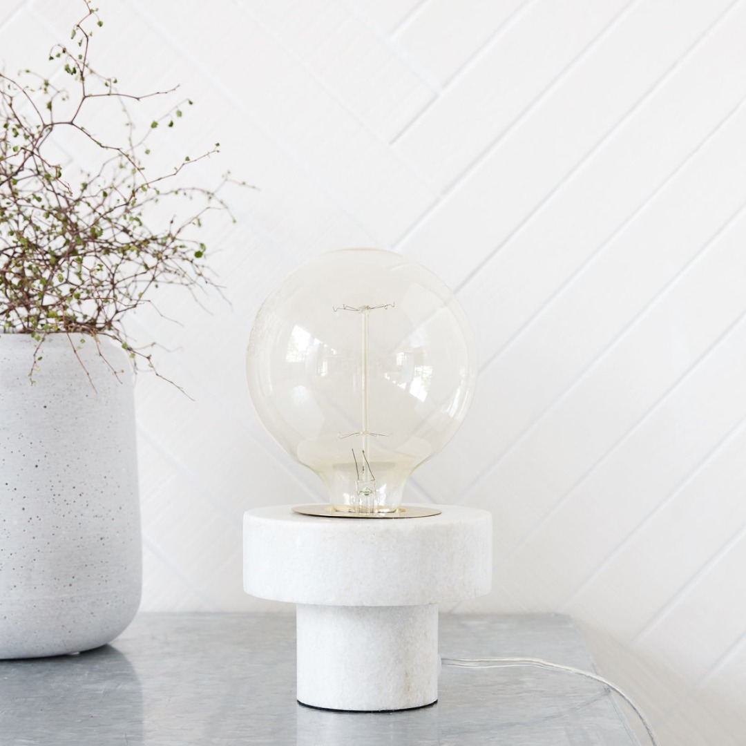Table Lamp Pin weisser Marmor