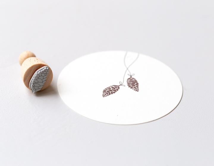 Stempel Tannenzapfen klein